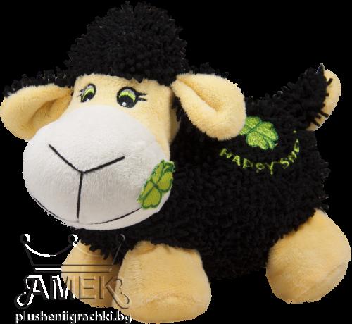 Черна овца с детелина