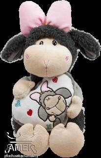 Плюшена овчица с панделка и сърчице