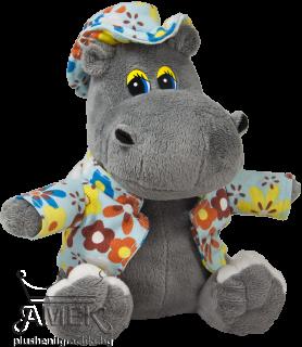 Хипопотам с яке и шапка