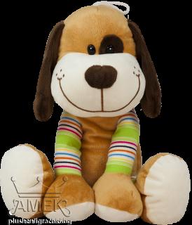 Голямо куче с цветни крачета